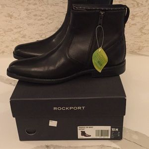 Men size 10 Rockport Boots. NWT